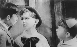 Ernie_Weckbaugh_with_Spanky_and_Alfalfa_in_the_OUR_GANG_Comedies